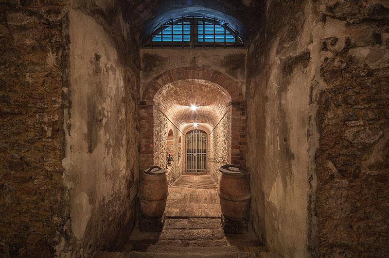 toscana_villa_barberino_cantina_vino_11